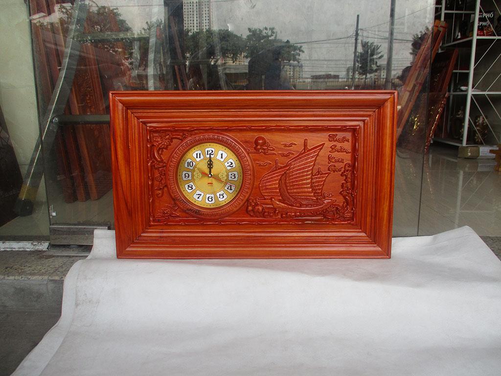 Đồng hồ gỗ hương Thuận Buồm Xuôi Gió sơn pu kích thước 68cm - TGPX2306PU