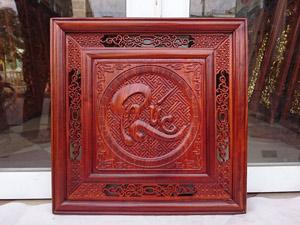 Tranh gỗ chữ Phúc nền gấm 55cm x 55cm pu - TGPX2199PU