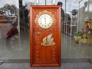 Tranh gỗ đồng hồ đốc lịch thuận buồm xuôi gió dát vàng 41cm x 81cm - TGPX2092