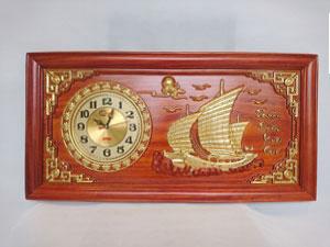 Tranh Gỗ Đồng Hồ Thuận Buồm Xuôi Gió Thếp Vàng 81cm - TGPX2002