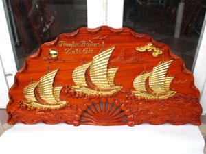 Tranh quạt gỗ hương Thuận Buồm Xuôi Gió thếp vàng đường kính 1m2 - TGPX2252
