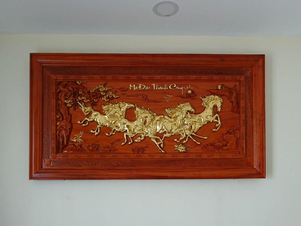 Tranh gỗ Bát Mã - Mã Đáo Thành Công 1m55 - TGPX2250
