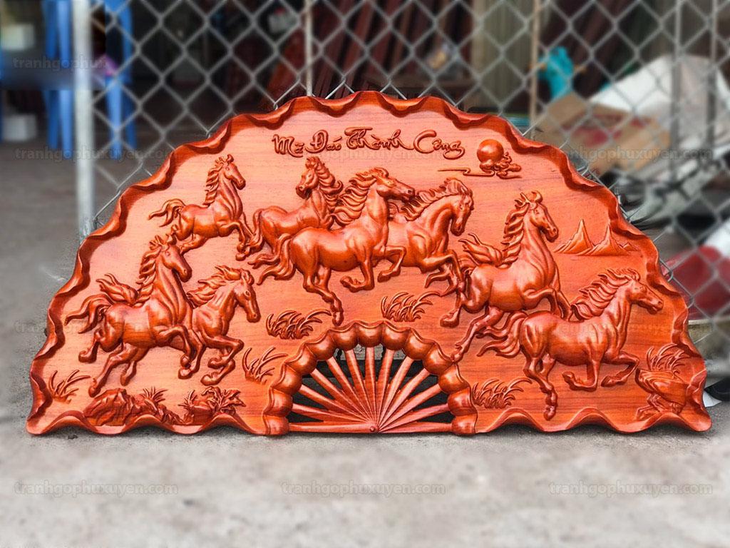 Tranh quạt Mã Đáo Thành Công bằng gỗ hương đường kính 1m - TGPX2240